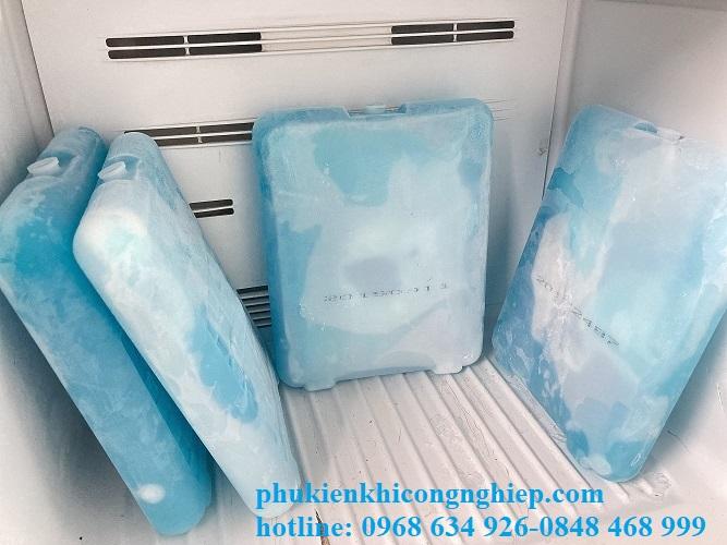 đá gel giữ lạnh